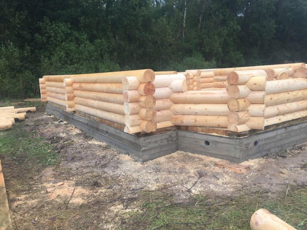 Стройка дома из оцелиндрованного бревна
